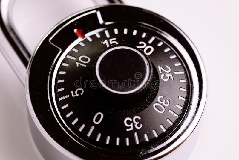 Концепция безопасности или безопасности, конец вверх кодовых номеров на combinat стоковая фотография