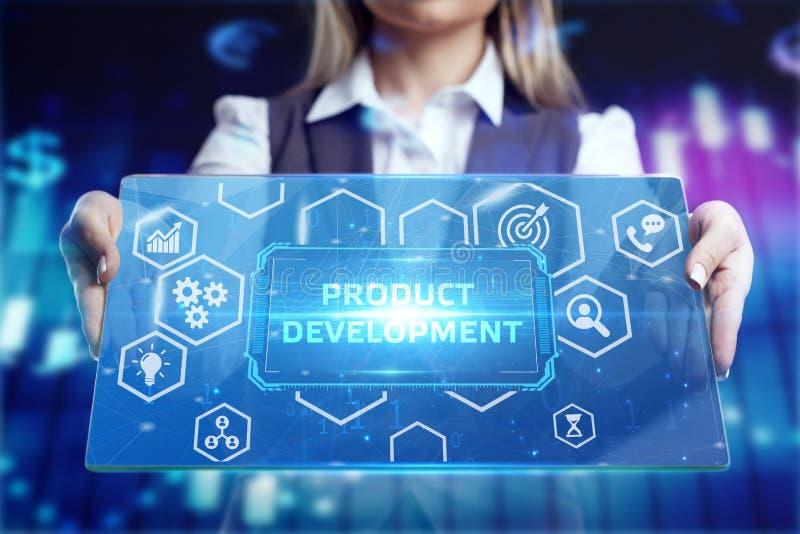 Концепция бизнеса, технологии, Интернета и сети Предприниматель, работающий на планшете будущего, выберите на виртуальном дисплее стоковые фотографии rf