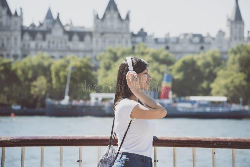 Концепция битника женщины девушки красивая женская стоковая фотография