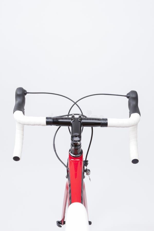 Концепция велосипеда Частично взгляд профессионального велосипеда дороги углерода стоковая фотография