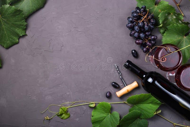 Концепция виноделия от свежего сбора виноградины осени стоковые изображения