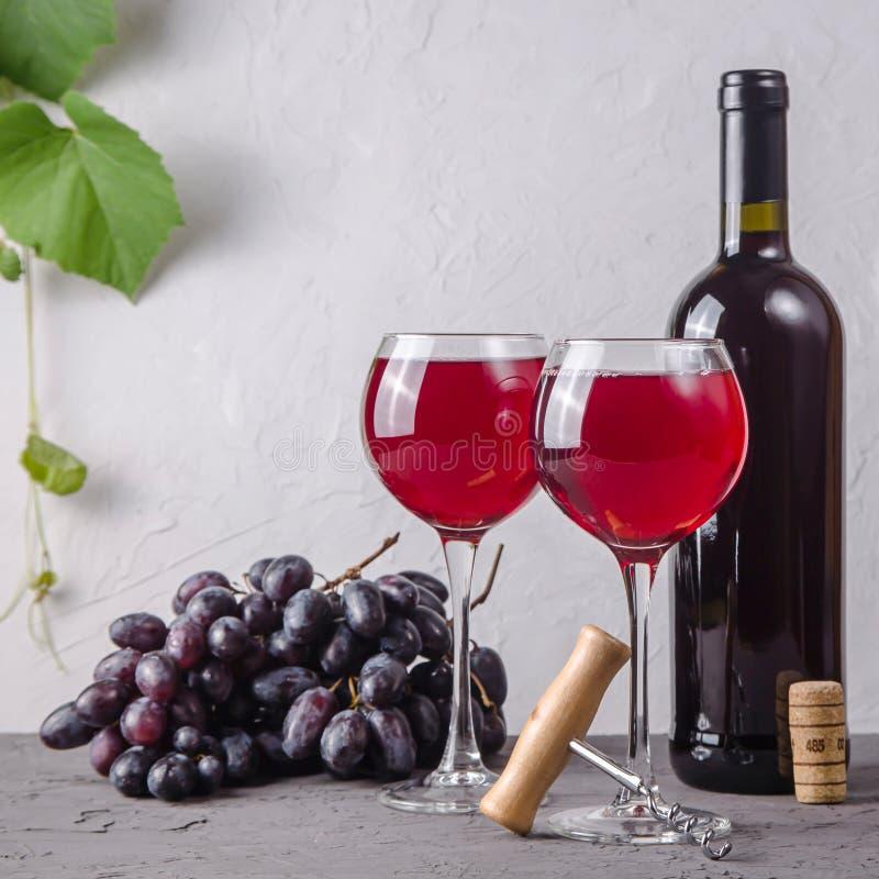 Концепция виноделия от свежего сбора виноградины осени стоковая фотография rf