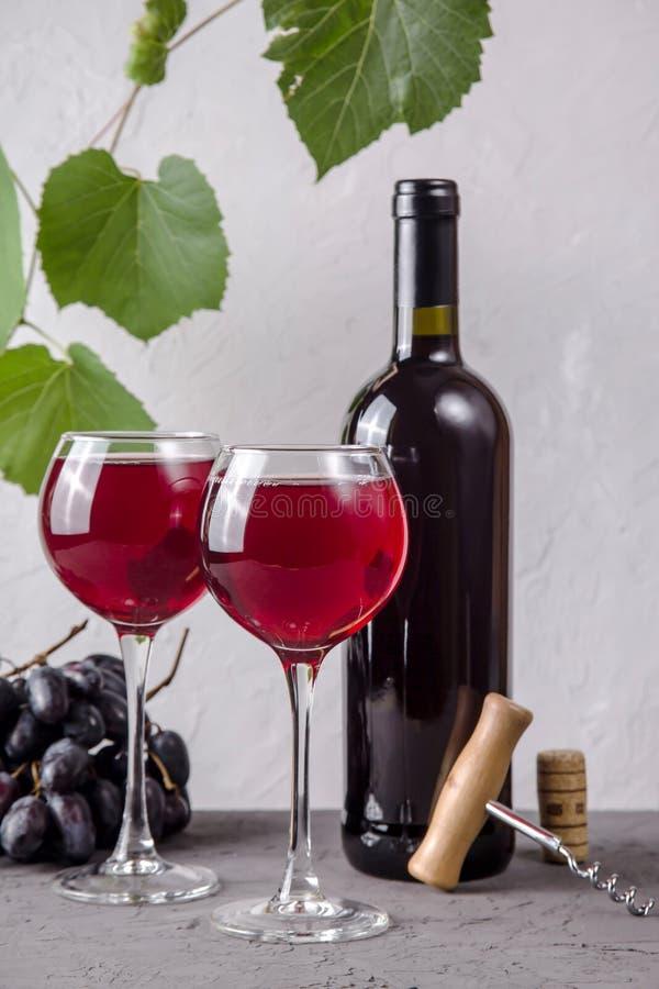 Концепция виноделия от свежего сбора виноградины осени стоковое изображение rf