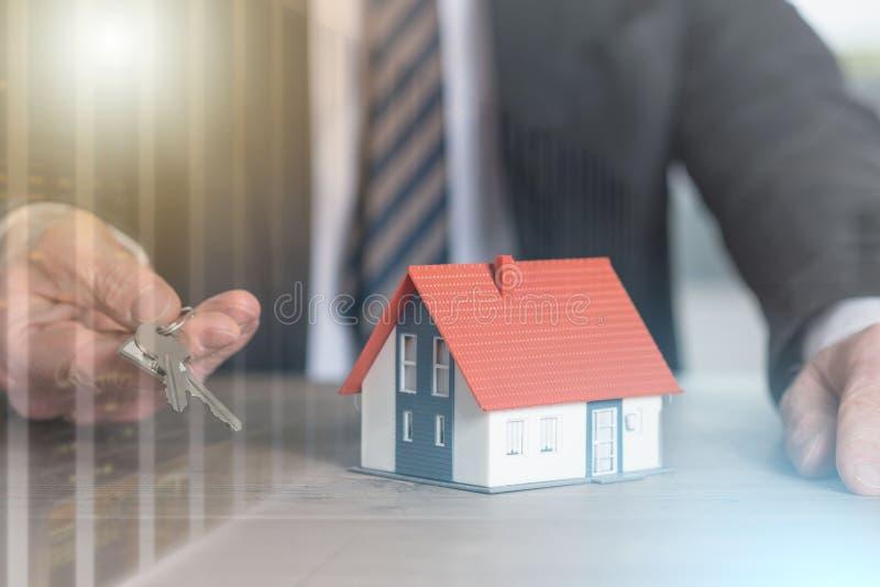Концепция владения недвижимостью; множественная выдержка стоковая фотография