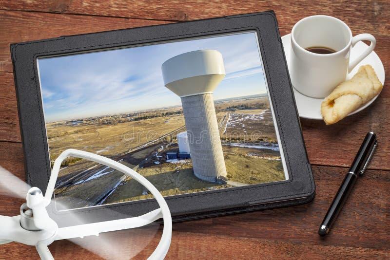 Концепция воздушного фотографирования - водонапорная башня стоковая фотография