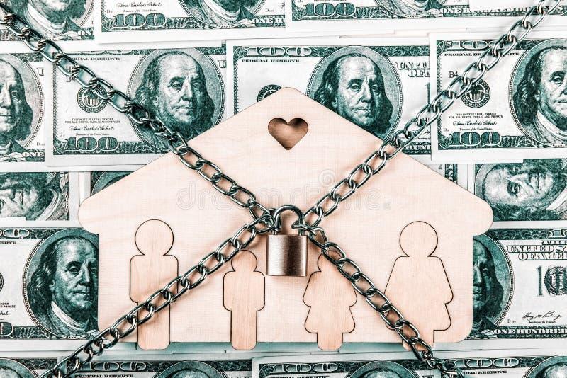 Концепция для пробы, банкротства, налога, ипотеки, аукциона предлагая цену, лишения права выкупа или унаследовать недвижимость стоковое изображение