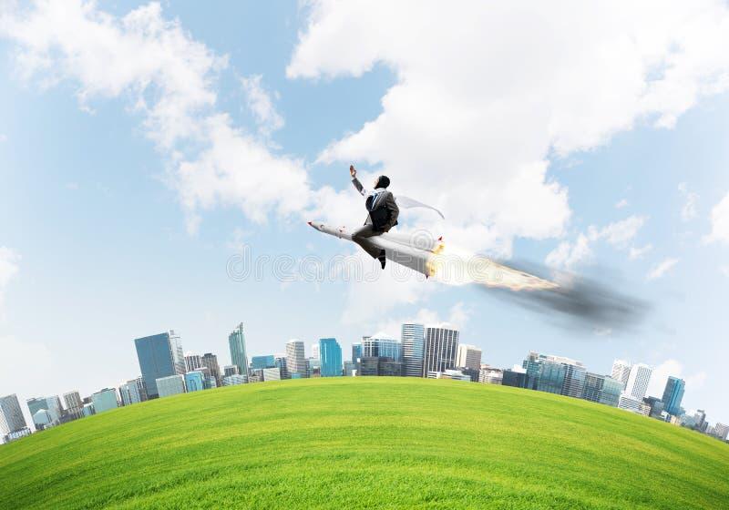 Концепция достижения успеха в бизнесе и целей стоковые изображения rf