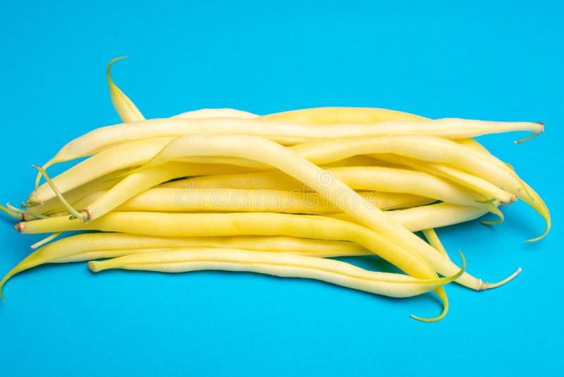 Концепция еды с свежими бобами, зрелые желтые фасоли масла копирует s стоковая фотография