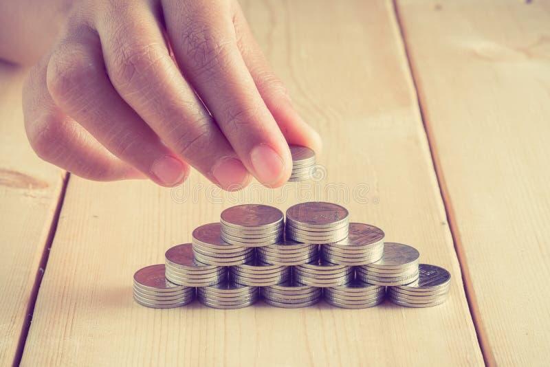 Концепция денег чеканит бат валюты тайский стоковые изображения rf