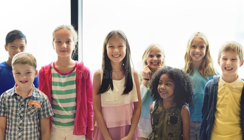Концепция единства этничности разнообразия товарищества ребенка стоковая фотография