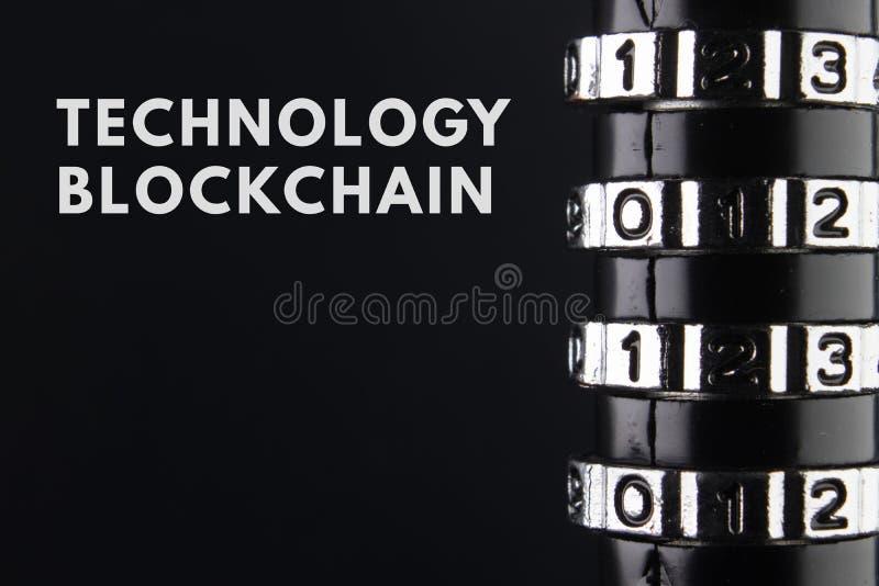 Концепция закрытия, защиты Blockchain технологии, шифрование интернет-трафика стоковое изображение rf