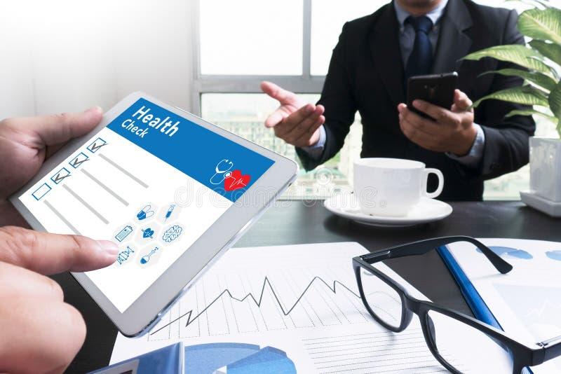 Концепция здравоохранения медицинского осмотра цифров стоковое изображение