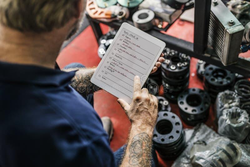 Концепция контрольного списка суеты владельца магазина дела стоковые изображения