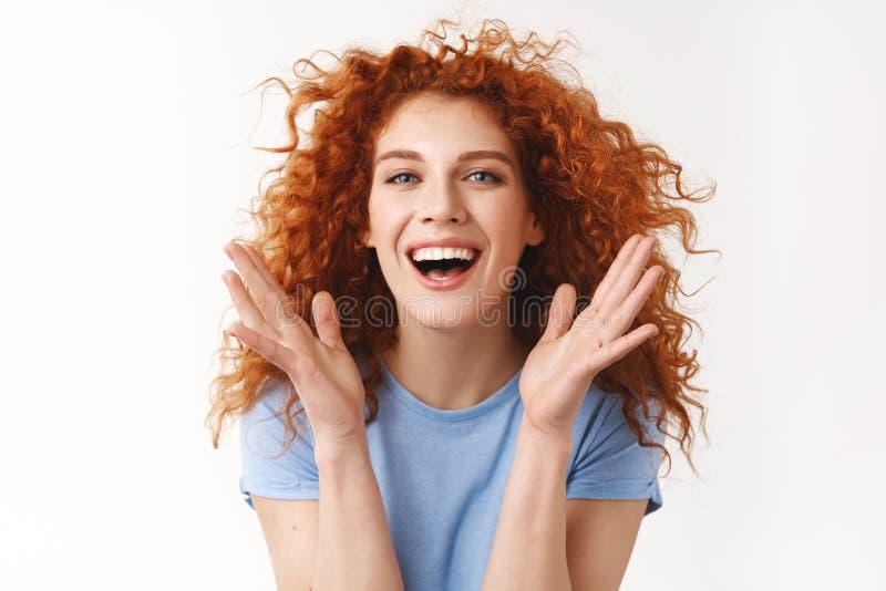 Концепция красоты, благополучия и ухода за волосами. Привлекающая безз стоковые фотографии rf