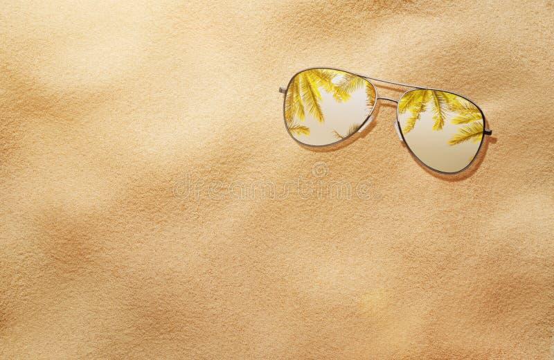Концепция лета, солнечные очки в песке стоковое фото
