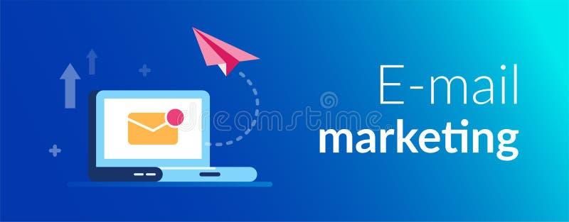 Концепция маркетинга электронной почты Новые близкие воздушные судн письма и бумаги на предпосылке ноутбука Уведомление по электр иллюстрация вектора