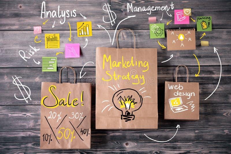 Концепция маркетинговой стратегии бесплатная иллюстрация