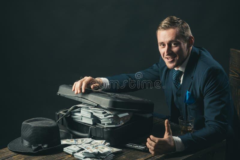 концепция мелкого бизнеса Работа бизнесмена в офисе бухгалтера схематическое здоровье дег изображения финансов экономии Bookkeepe стоковые изображения