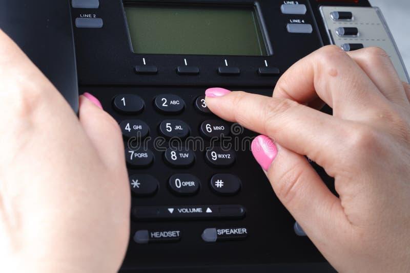 Концепция набирать, контакта и обслуживания клиента телефона Выбранный фокус стоковое изображение rf