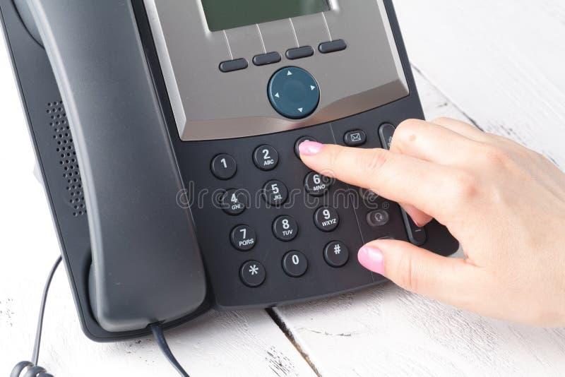 Концепция набирать, контакта и обслуживания клиента телефона Выбранный фокус стоковые фото
