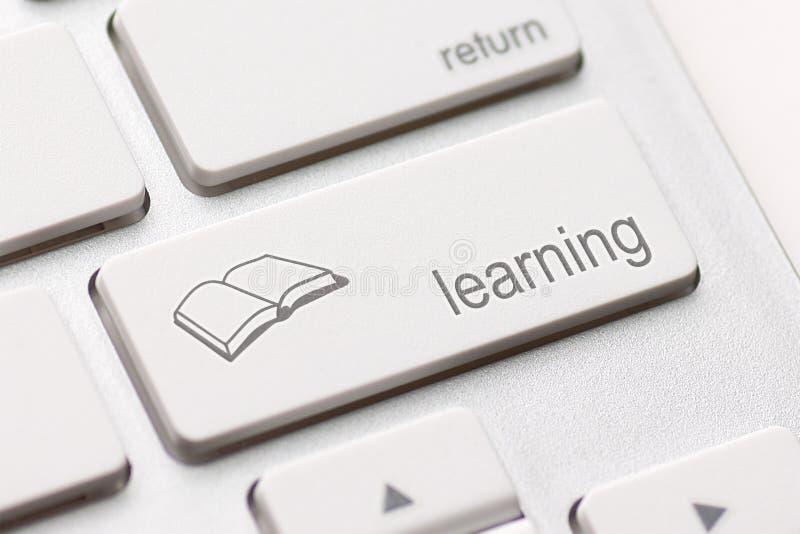 Концепция обучения по Интернетуу. Клавиатура компьютера стоковые фотографии rf