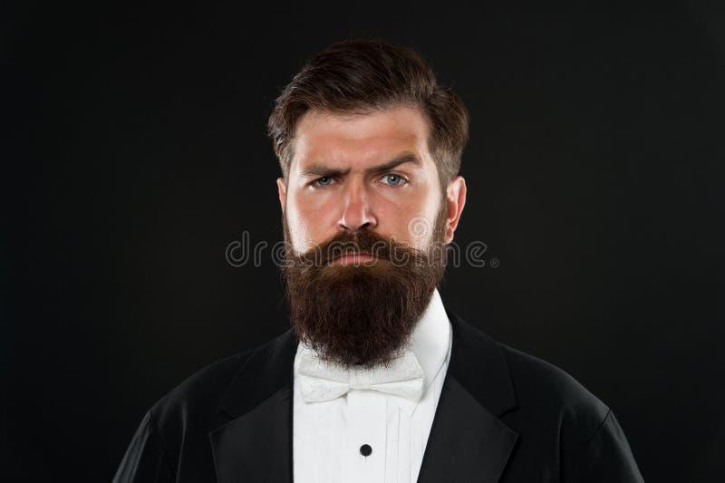 Концепция парикмахерской Вырастите усик Растя и поддерживая усик Хипстер человека бородатый с усиком Борода и стоковые фотографии rf