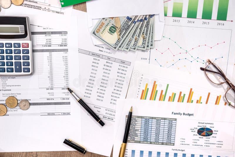концепция планирования и сбережения имеют бюджет стоковое фото rf