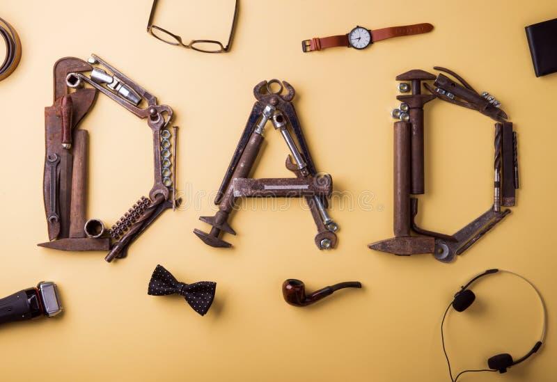 концепция поздравительной открытки дня отцов Плоское положение стоковые изображения