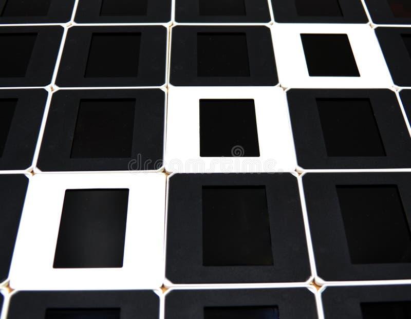 Концепция позитвов и недостатков Черно-белые рамки скольжения стоковые фотографии rf