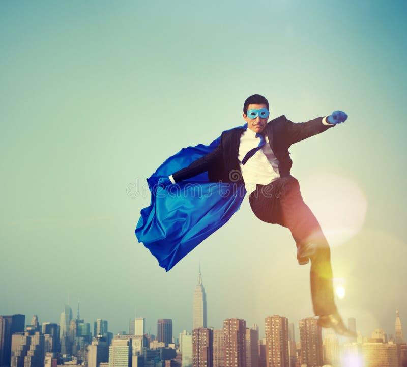 Концепция руководства городского пейзажа бизнесмена супергероя стоковая фотография rf