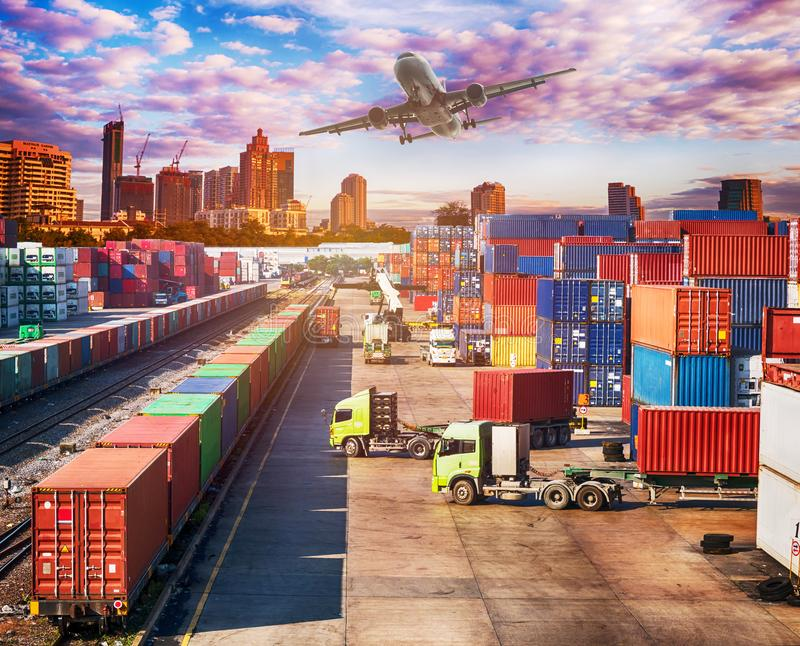 Концепция, самолет, тележка и поезд снабжения дела стоковые изображения
