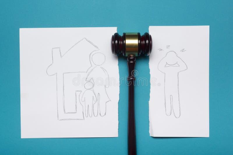 Концепция семейного права Раздел развода свойства законным путем стоковые фото