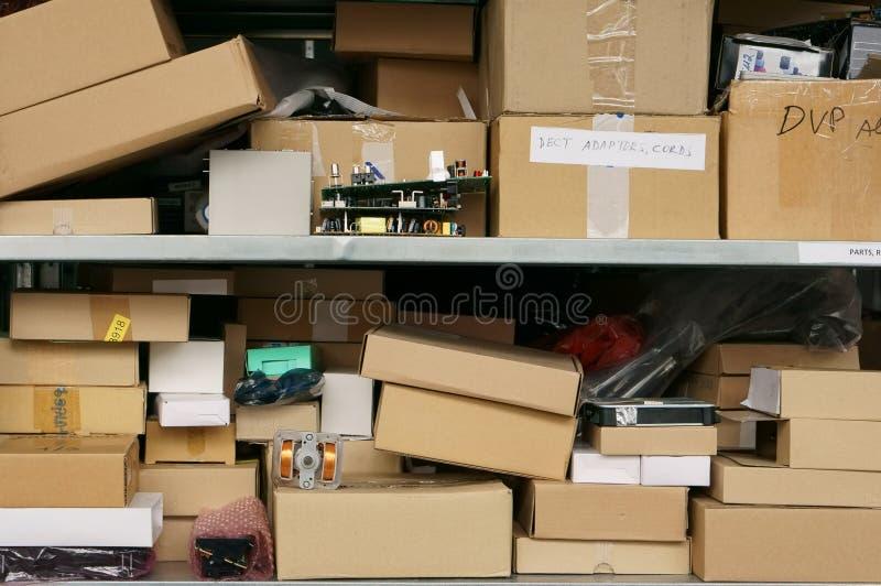 Концепция склада запасных частей стоковые изображения