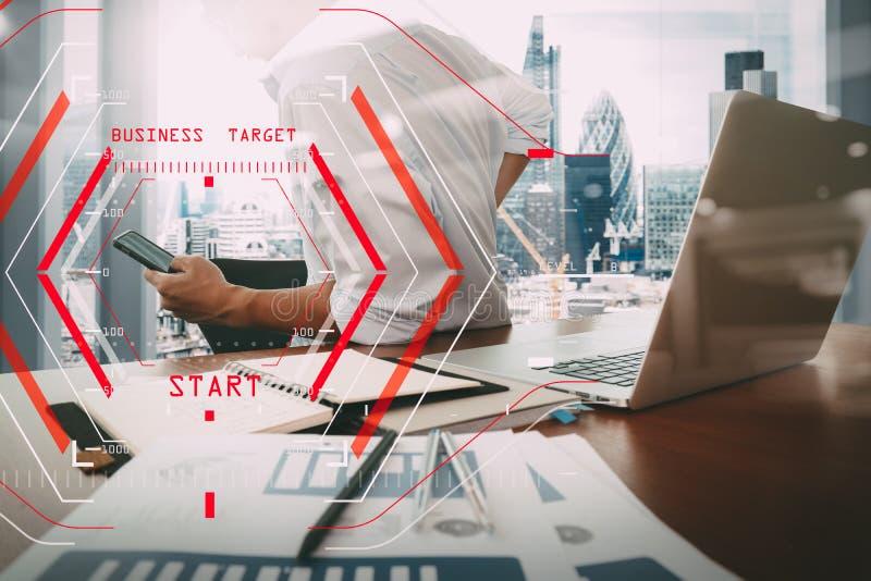 Концепция старта дела цели Halogram компьютера Работа бизнесмена иллюстрация вектора