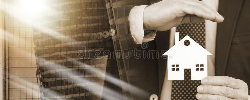 Концепция страхования жилья; множественная выдержка стоковая фотография rf