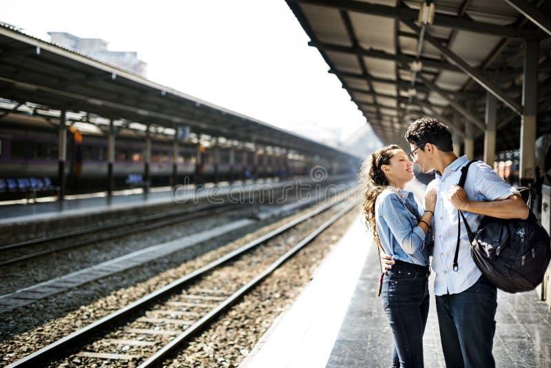 Концепция счастья единения датировка влюбленности пар стоковые фото