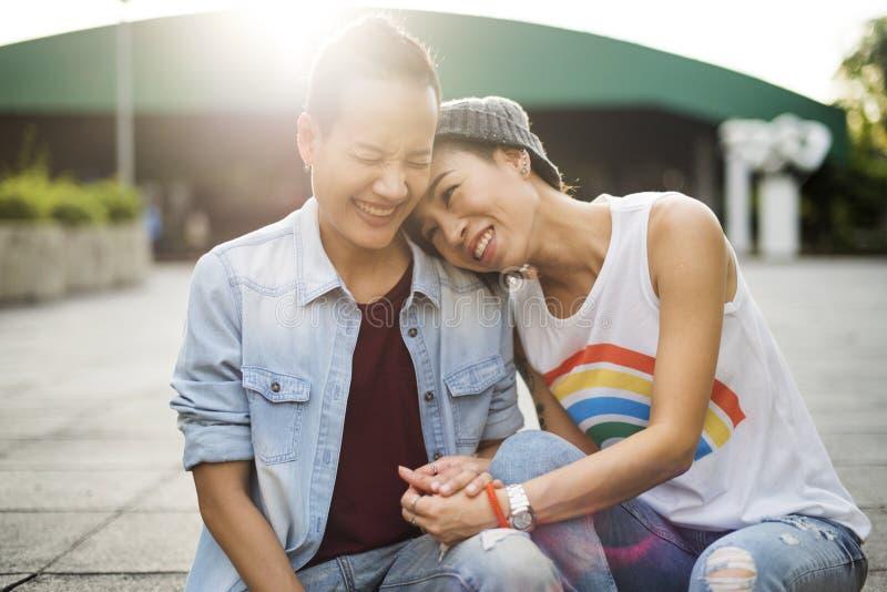 Концепция счастья моментов пар LGBT лесбосская стоковая фотография rf