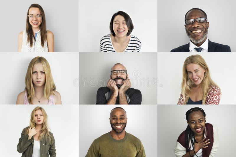 Концепция счастья разнообразных людей усмехаясь жизнерадостная стоковые изображения