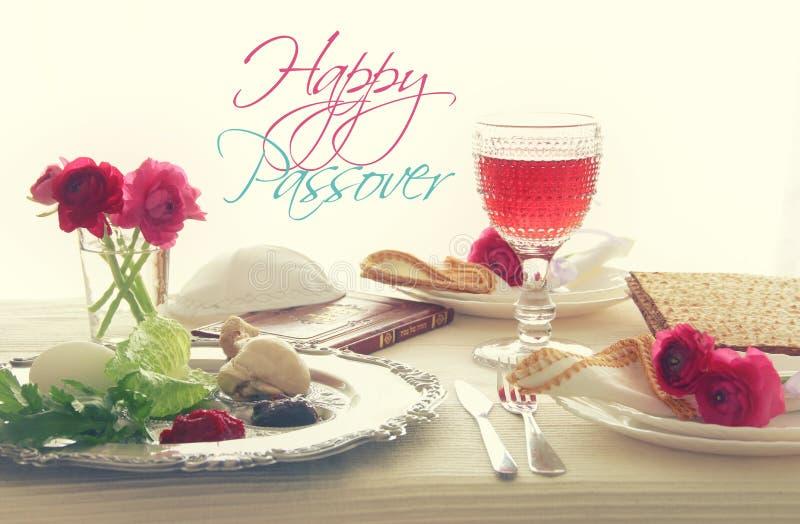 Концепция торжества Pesah & x28; таблица еврейского праздника еврейской пасхи праздничная стоковое изображение rf