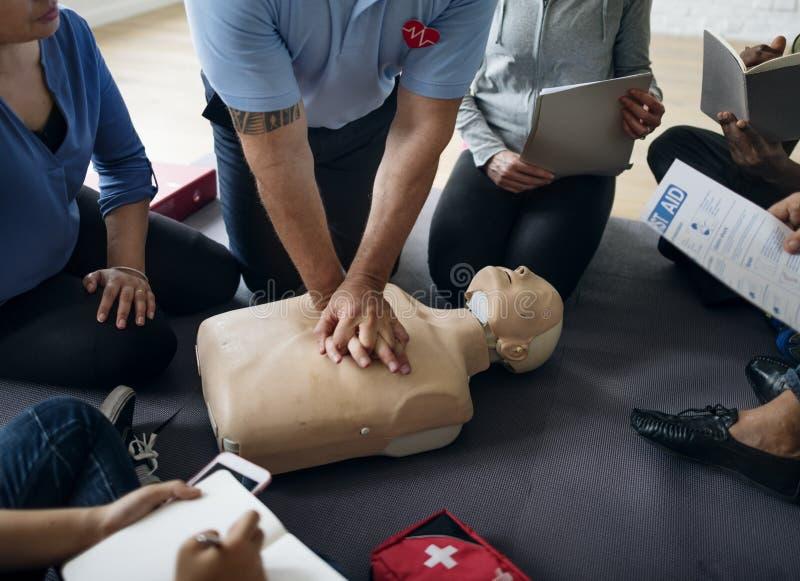 Концепция тренировки скорой помощи CPR стоковые фото