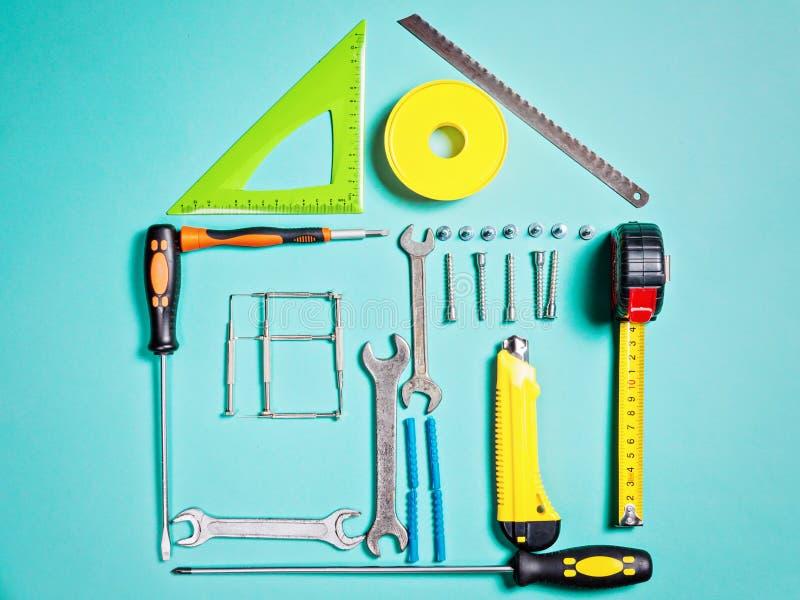 Концепция улучшения дома Установленный ручной резец работы для конструкции или ремонта дома стоковое изображение