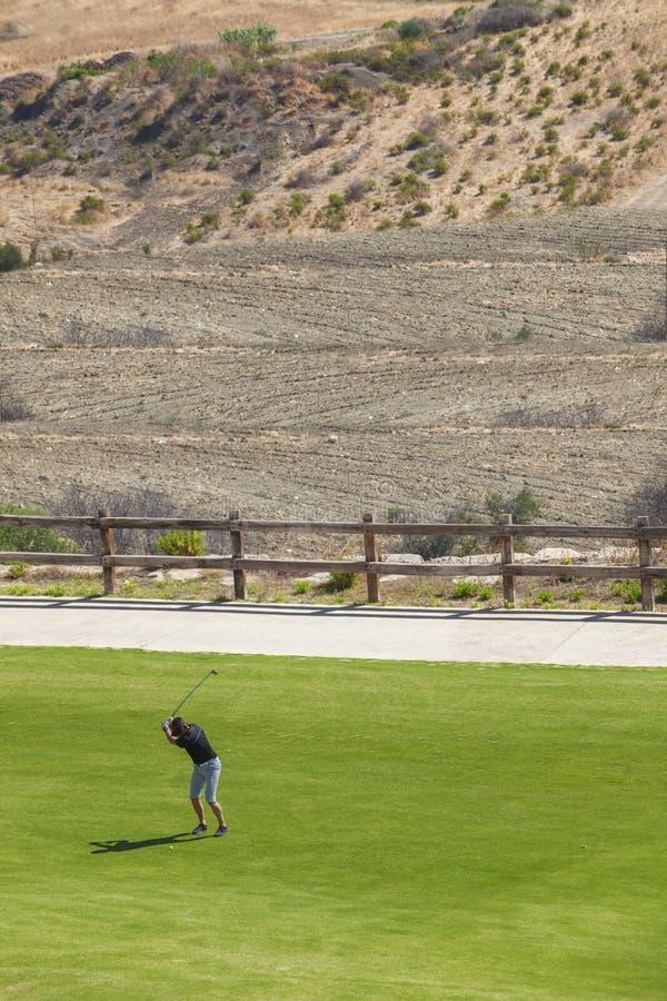 Концепция устойчивости полей для гольфа стоковые фотографии rf