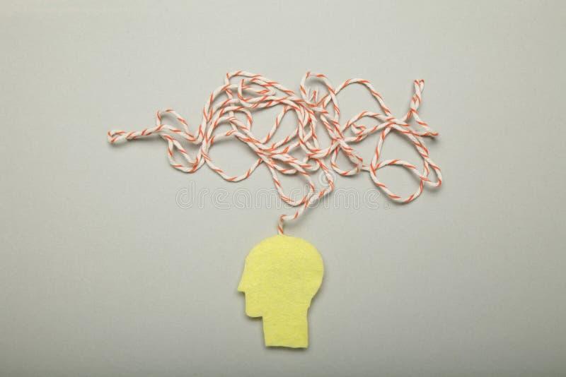 Концепция человека стресса, тревожность в мозге, хаос clutter стоковая фотография rf