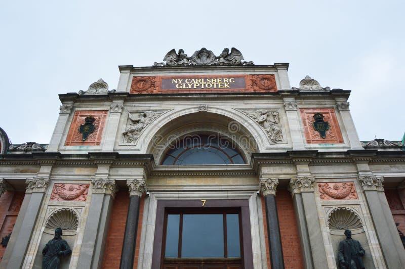 КОПЕНГАГЕН, ДАНИЯ - 31-ОЕ МАЯ 2017: Ny Карлсбург Glyptotek, музей изобразительных искусств в Копенгагене, Дании стоковое фото rf
