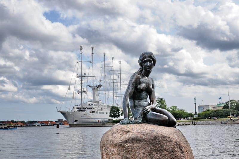 Копенгаген маленькая русалка стоковые фотографии rf