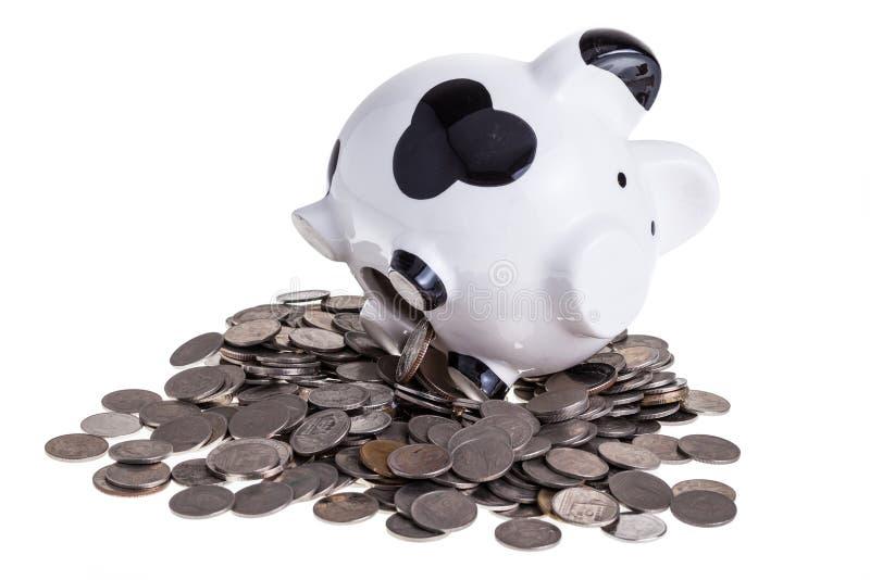 Download Копилка на куче монеток стоковое изображение. изображение насчитывающей символ - 33737263