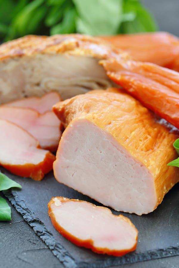 Копченое мясо готовое для ест стоковые фото