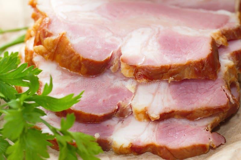 Копченые мясо и овощи стоковое изображение
