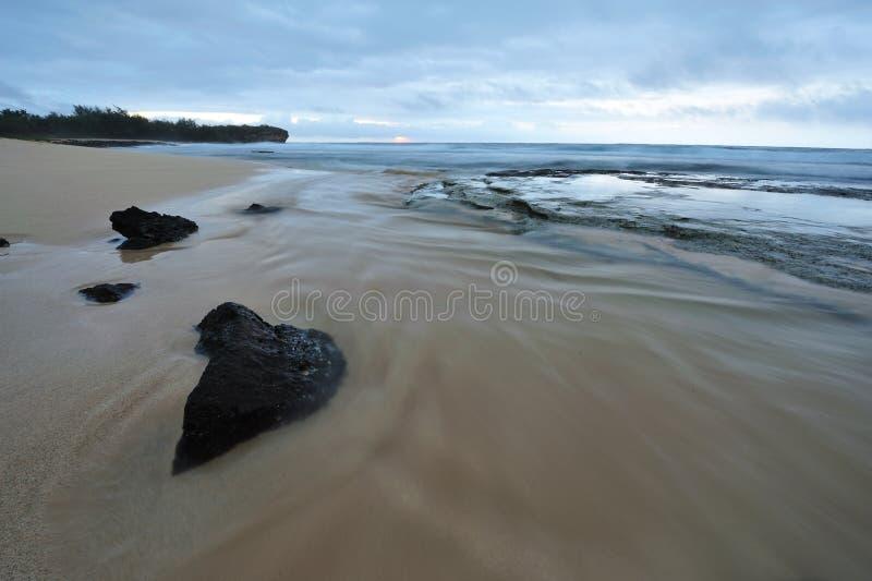 кораблекрушение США Гавайских островов kauai пляжа стоковые фотографии rf