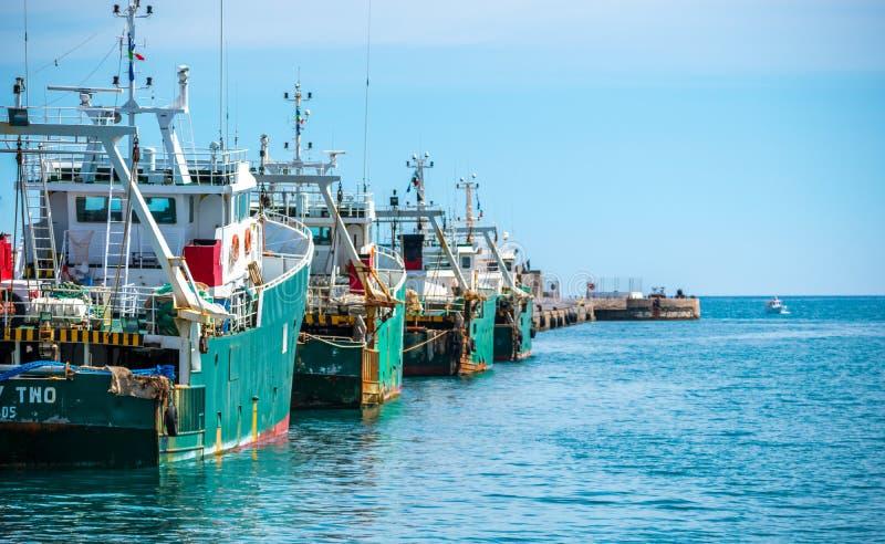 Корабли в порте ираклиона Крита Греции стоковое изображение rf